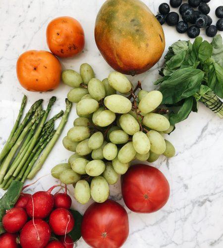fruits-on-table-bazar-thundi